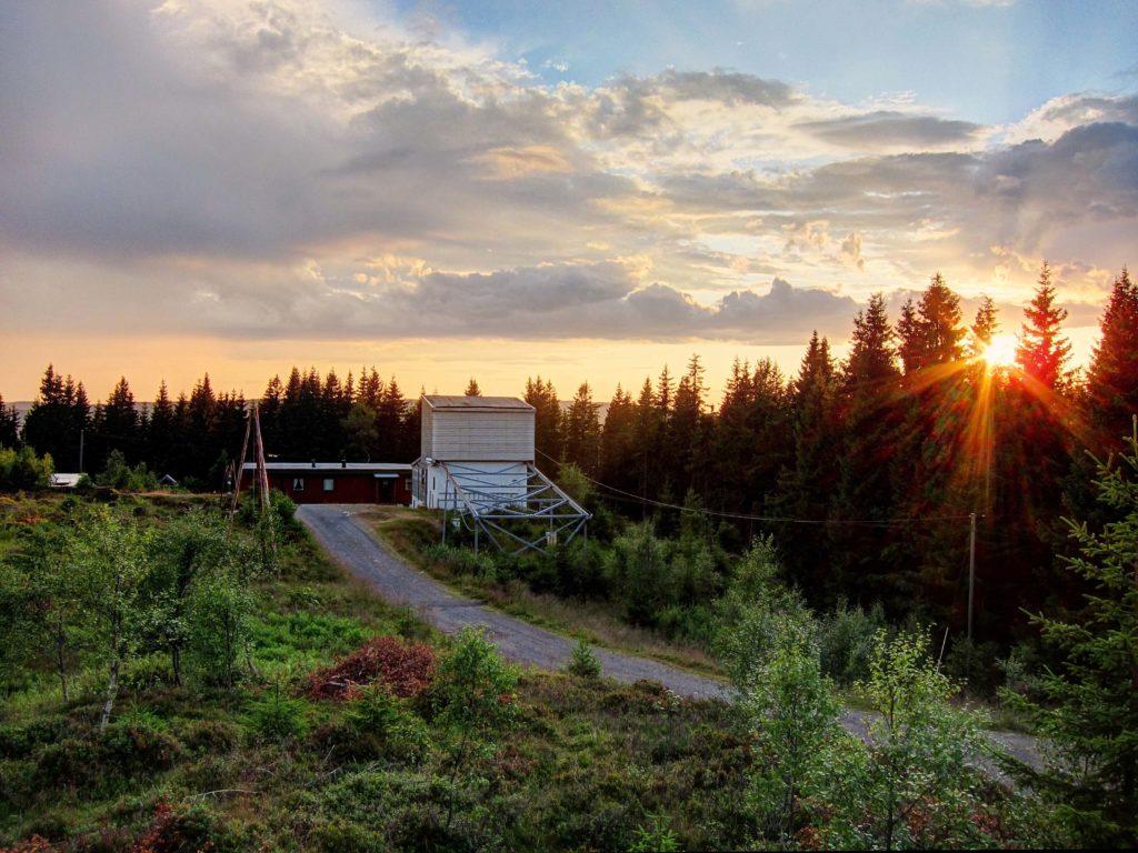 Sun observatory Harastua sunset web
