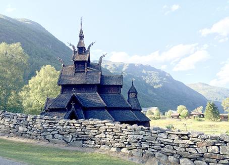 borgund stavkirke mountain web